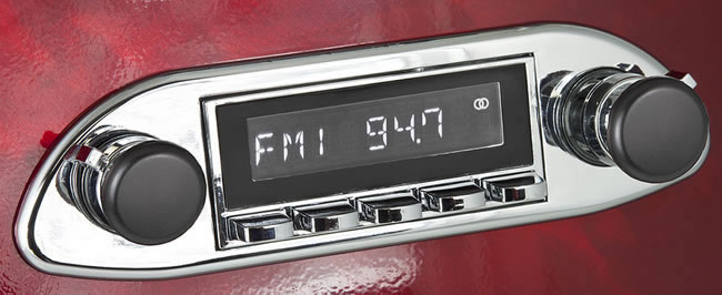 Retro Sound Retro Classic  Radio showing example installations. Knobs, trim plates etc. are available separately.