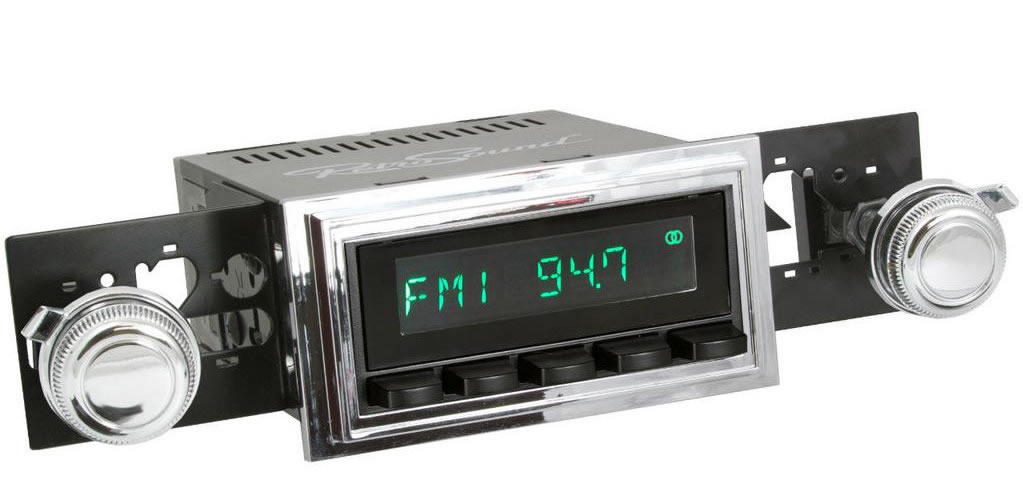 Retro Sound example Ford Mustang 1969-1973 look radio.