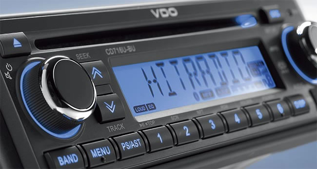 VDO CD718 DAB car radio.
